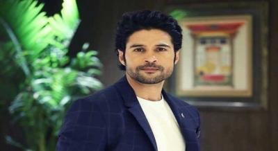 Rajeev Khandelwal on taking up live theatre as a challenge