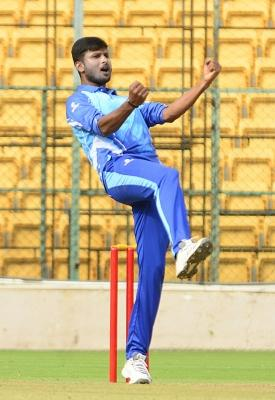 Can't give it all if you are thinking of price tag: CSK's Gowtham