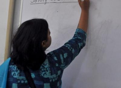 Teachers from 12 DU colleges facing problems without salaries