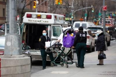 Experts critical of White House after record Covid deaths