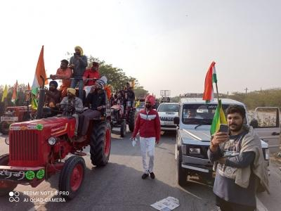 Tractor rally passes off peacefully in Gurugram (Ld)